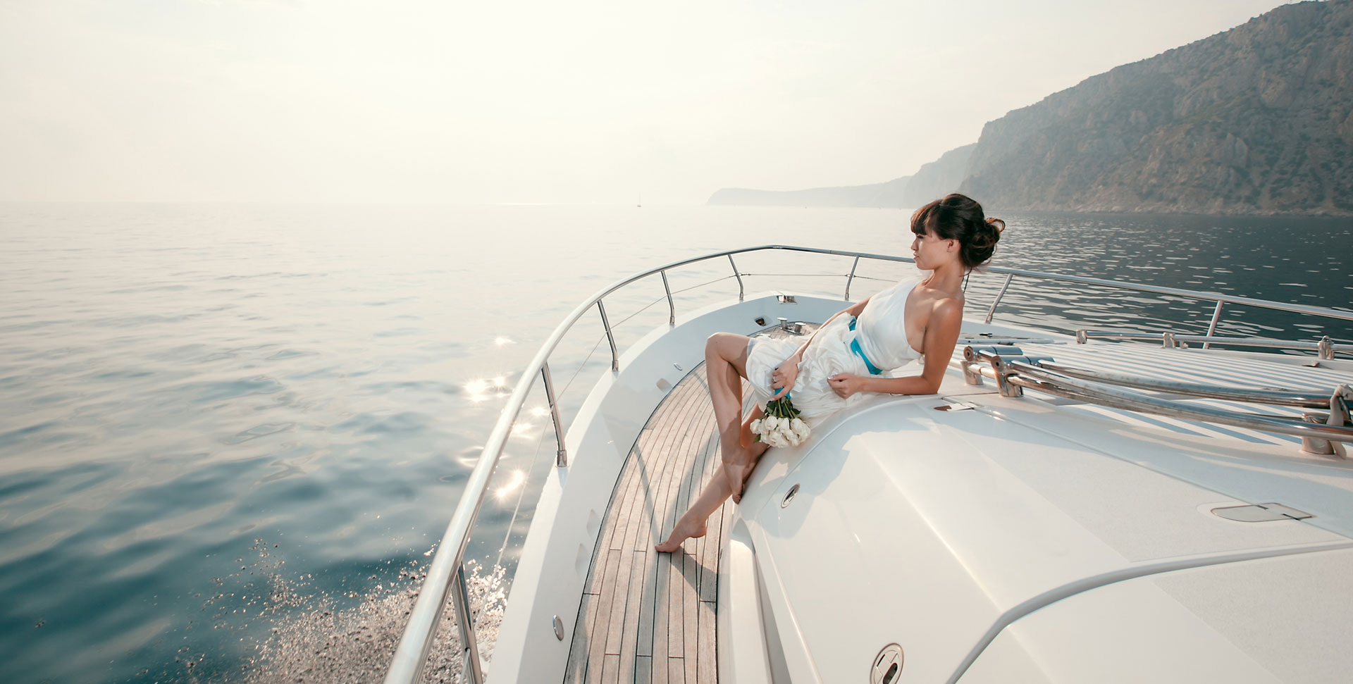 Mykonos Private Yacht - Events & Party | Birthday, Bachelor, Team building | Discovery Glassbottom Yacht